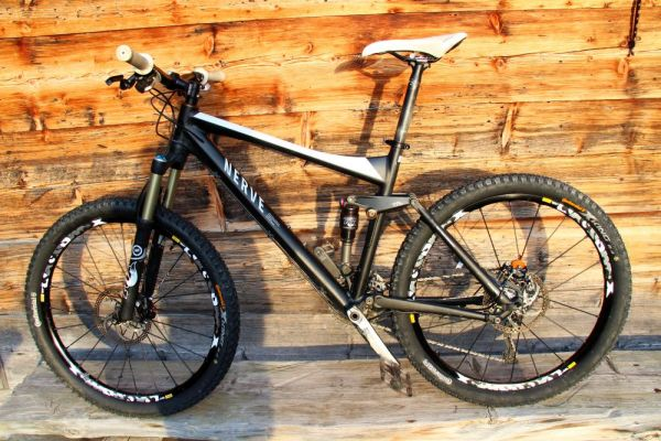 [Bild: normal_mountainbike-canyon-nerve-xc9_01-...g_0248.jpg]