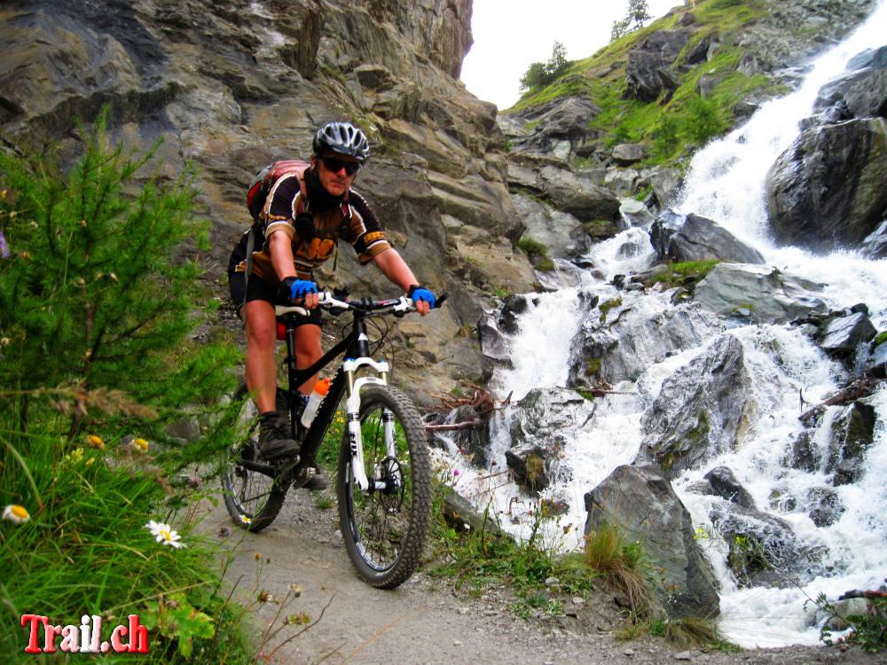 [Bild: trifthutte-zermatt_22-08-2011_img_2438.jpg]