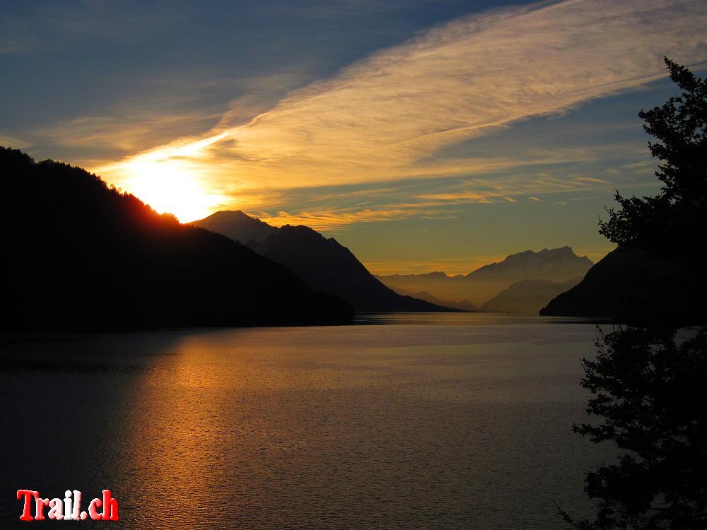 [Bild: vierwaldstaettersee_27-10-2010_img_9371.jpg]